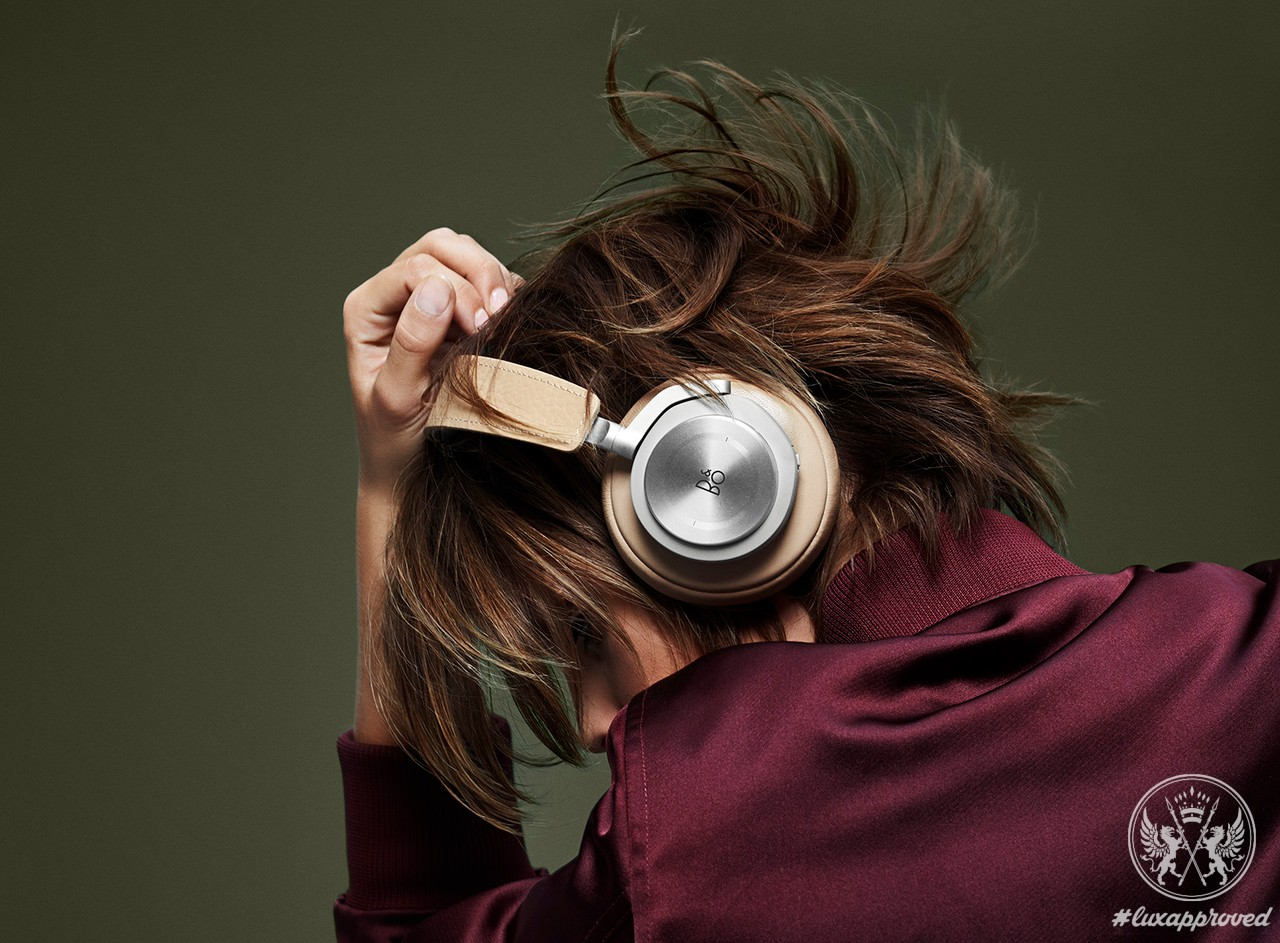 Hello Future: Bang & Olufsen BeoPlay H7 Wireless Headphones
