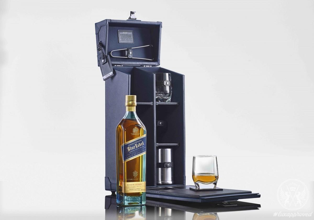 tumi x johnnie walker tasting case. Black Bedroom Furniture Sets. Home Design Ideas