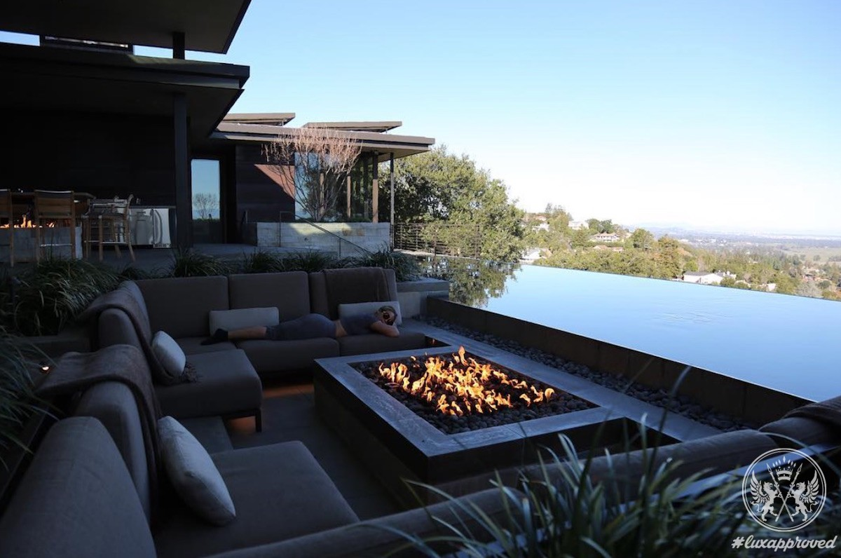 Follow in Beyoncé's Footsteps and Have a Super Weekend at the $10,000-a-night Airbnb Estate