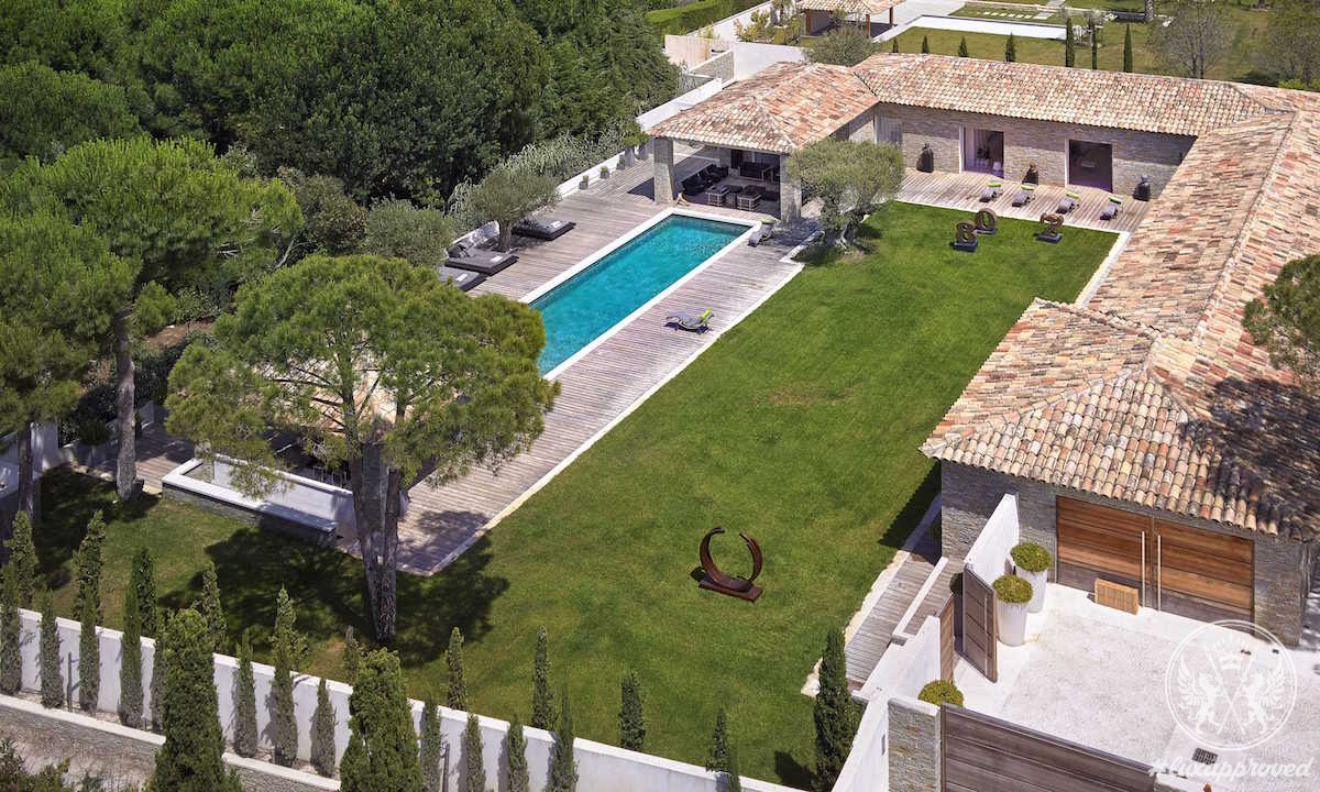 This Modern Property in Saint Tropez is Brimming With The Charm of French Riviera