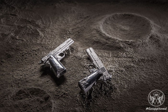 The 4,5 Million Big Bang Pistol Set
