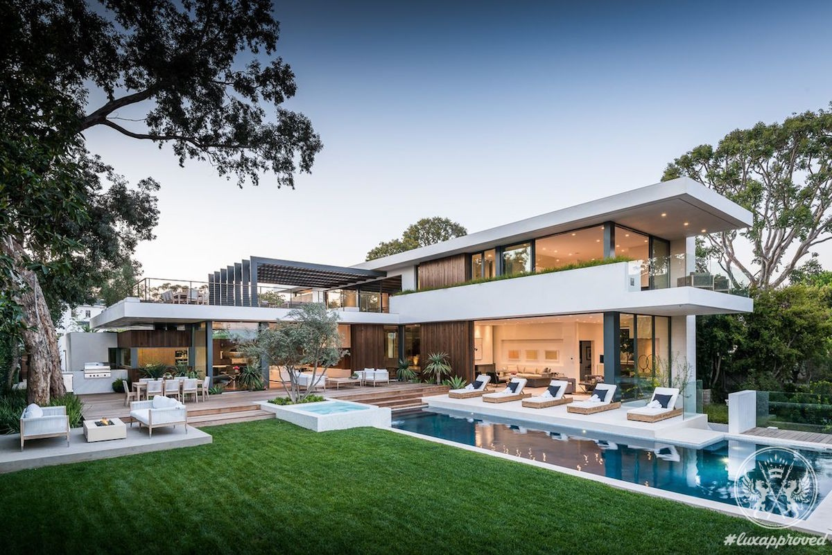 This California Modern Home In Pacific Palisades Asks $13,5 Million