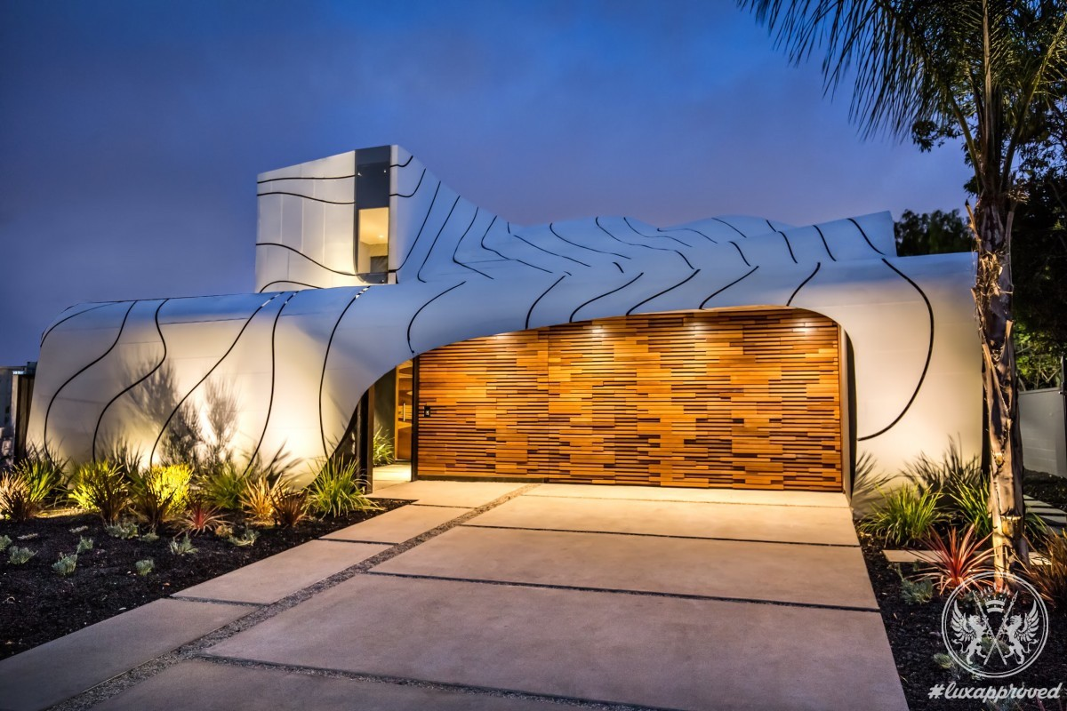 The Wave House