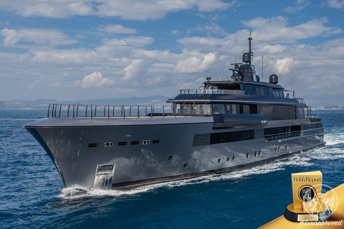 """CRN's M/Y Atlante Takes Home Robb Report's """"Best of the Best 2016"""" Trophy"""