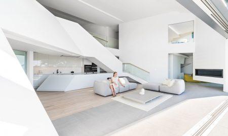 MU77 by Arshia Architects