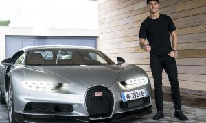 Cristiano Ronaldo Gives His Seal of Approval to Bugatti Chiron. Who Wouldn't?