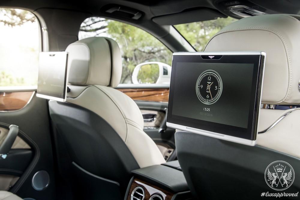 Bentley Bentayga Grabs Its First Wards 10 Best Interiors Award by WardsAuto