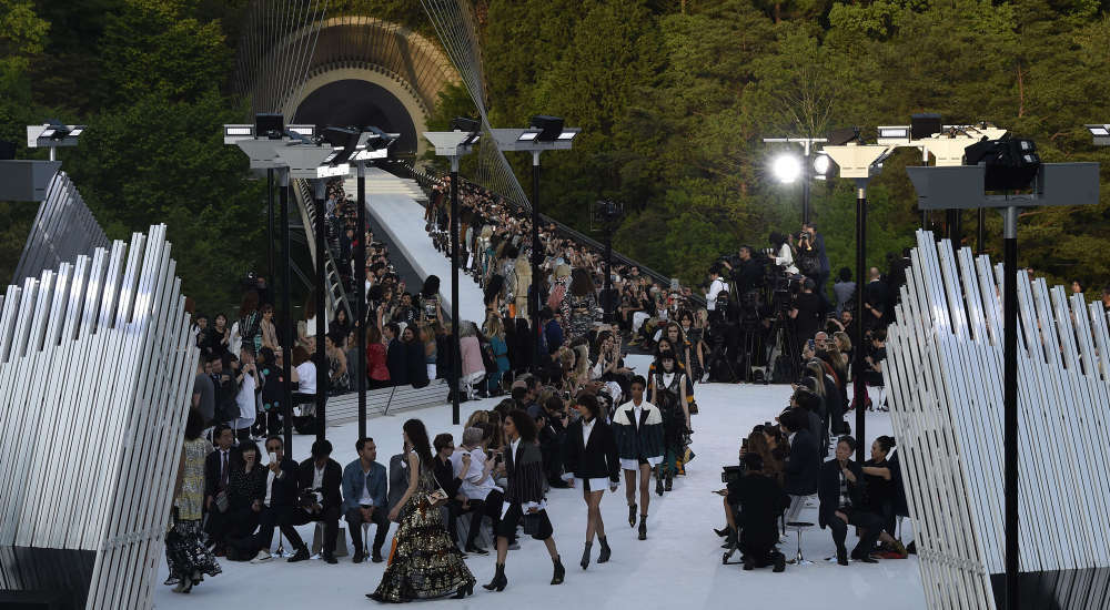 Louis Vuitton Cruise 2018 Fashion Show in Kyoto