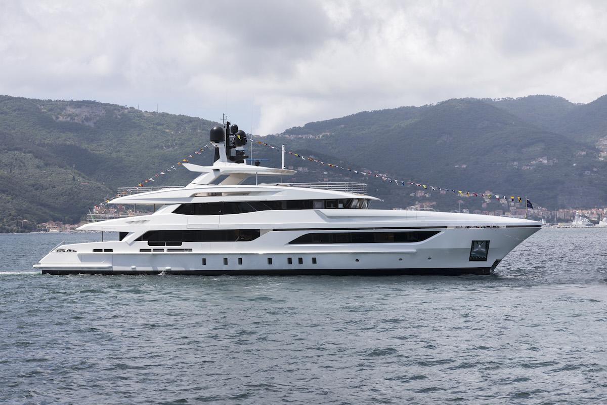Baglietto Launches ANDIAMO Yacht That Was Designed by Francesco Paszkowski Design
