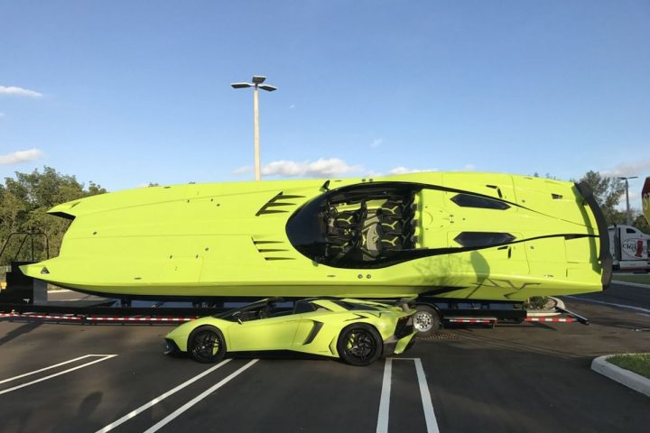 Lamborghini MTI 52' Super Veloce Speedboat Comes with a Matching Aventador SV Roadster