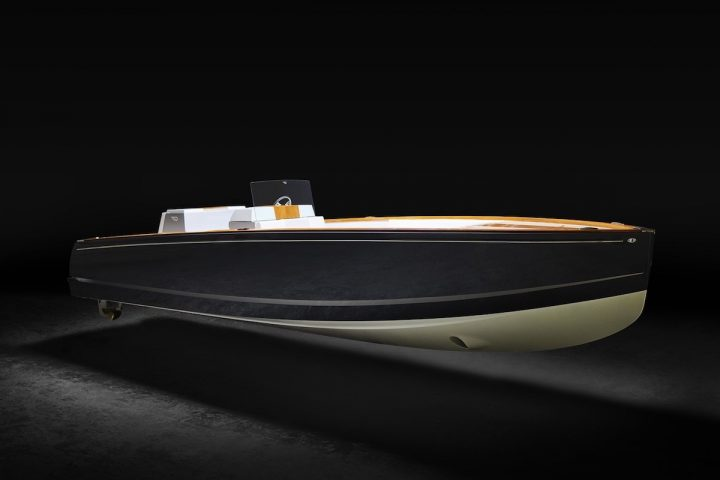 The Hinckley Company Unveils Dasher, the World's First Fully Electric Luxury Yacht