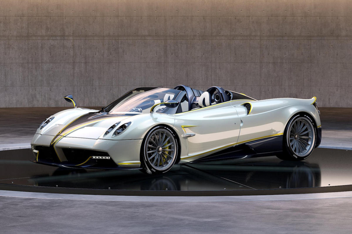Pagani Presents a Highly Customized Huayra Roadster Gyrfalcon
