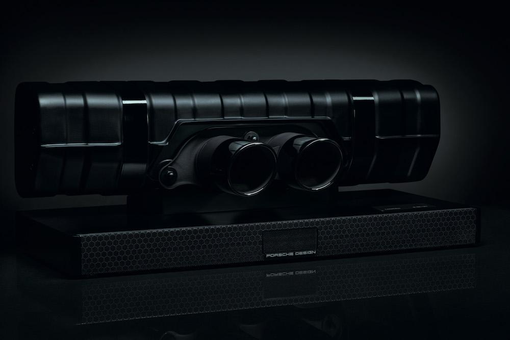 0c2d5bbd67e Porsche Design Introduced the New 911 Soundbar Black Edition